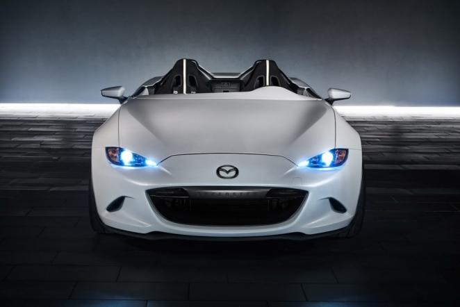 الكشف عن سيارتين اختباريتين من مازدا في معرض سيما 2016