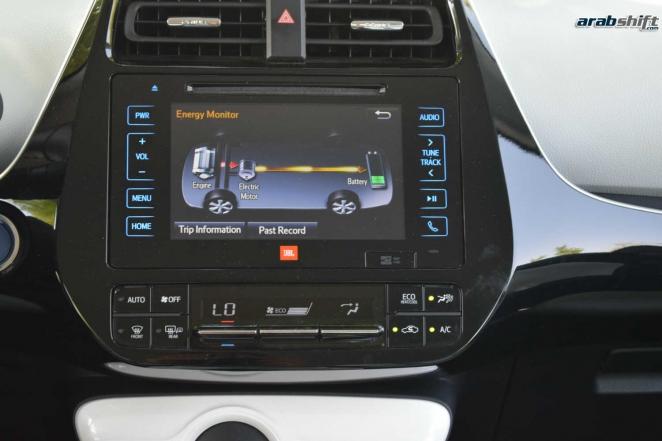 أهم 8 مميزات لسيارت تويوتا بريوس 2016