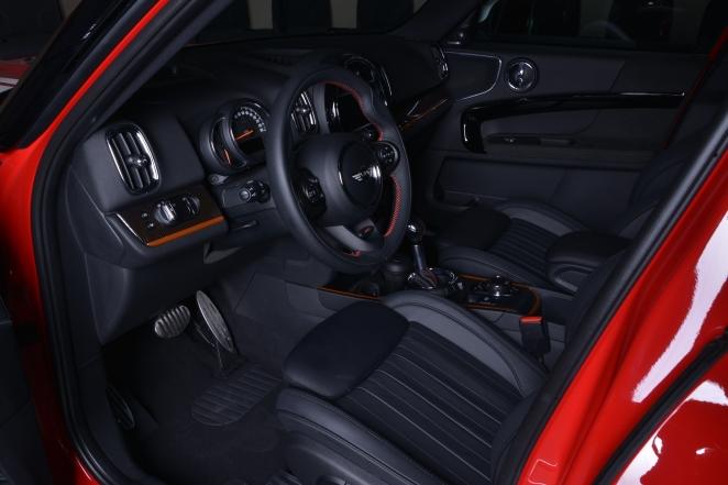 سيارة MINI Countryman الجديدة تصل إلى صالات عرض أبوظبي موترز