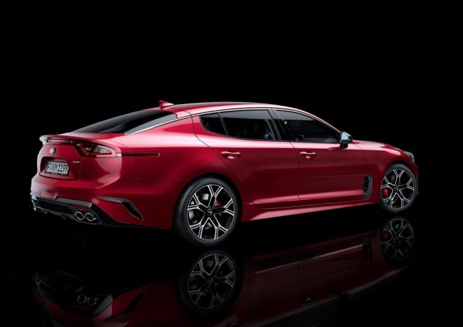 كيا تكشف عن ستينجر GT الجديدة