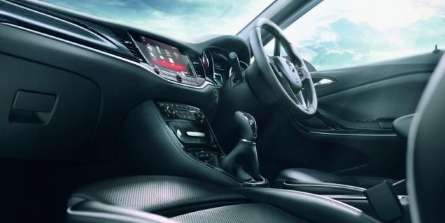 مواصفات سيارة اوبل استرا 2016