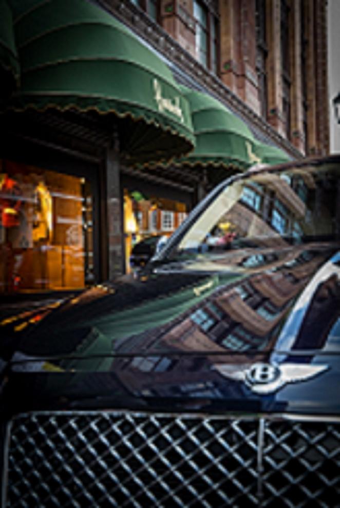 Bentley Motors تفتتح استوديو حصري في متجر هارودز الفاخر لاستقبال عملائها من الشرق الأوسط المتواجدين بالعاصمة البريطانية هذا الصيف