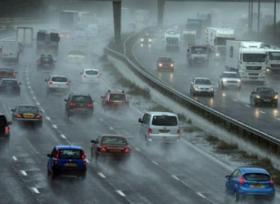 نصائح لقيادة امنة اثناء المطر