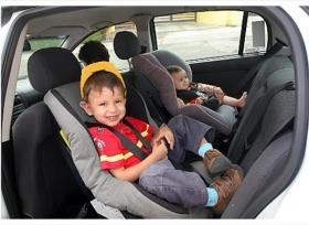 مقاعد الاطفال درع وحماية فى السيارة