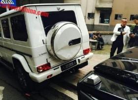 حادث تصادم بين سيارتين مرسيدس G500 في الصين