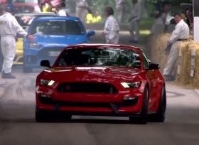 فورد موستنغ GT350R  تستعرض في مهرجان السرعة