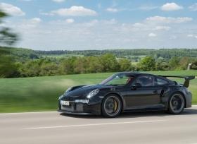 بورش 911 GT2 RS قادمة بقوة 640 حصان