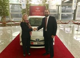 الفطيم للسيارات تدعم رؤية جمعية الإمارات للحياة الفطرية من خلال تسليم أول تويوتا بريوس