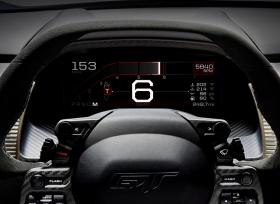لوحة قيادة المستقبل مع شاشة العدادات الرقمية للسيارة الفائقة فورد GT الجديدة