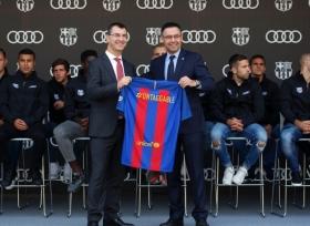 أودي تسلّم لاعبي برشلونة سياراتهم الجديدة
