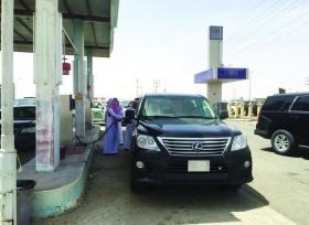 ماذا حصل عندما توقف امير مكة في إحدى محطات الوقود ؟
