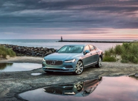 فولفو تضيف تحديثات جديدة على سياراتها 90 تشمل السلامة والتواصل بخاصية Android Auto
