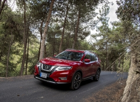 نيسان تطلق السيارة الرياضية متعددة الاستخدامات الأكثر مبيعاً في العالم إكس-تريل 2018 في منطقة الشرق الأوسط بتحسينات محدثة