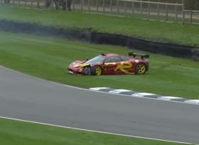 مكلارين F1 GTR تتعرض لحادث مؤلم