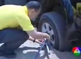 طريقة مثالية لاخراج السيارة من التغريز