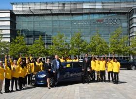 18 من سفراء شباب الإمارات في زيارة لشركة أودي