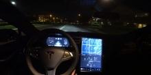 مالك تيسلا موديل S يوضح أخطاء نظام القيادة الذاتية